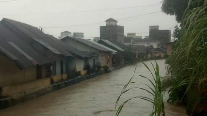 Debit Air Meningkat, Warga Kampung Bintang Cemas (VIDEO)