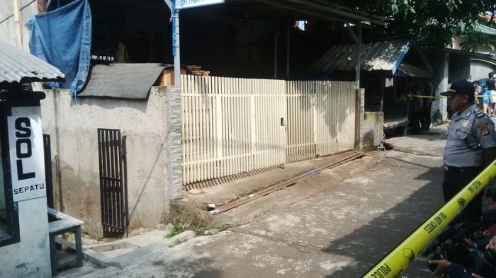 Densus 88 Temukan Ini di Rumah Guru Bomber Kampung Melayu
