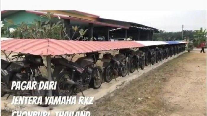 Saudagar Kaya Ini Bikin Pagar Rumah dari Puluhan Motor Yamaha RX-Z