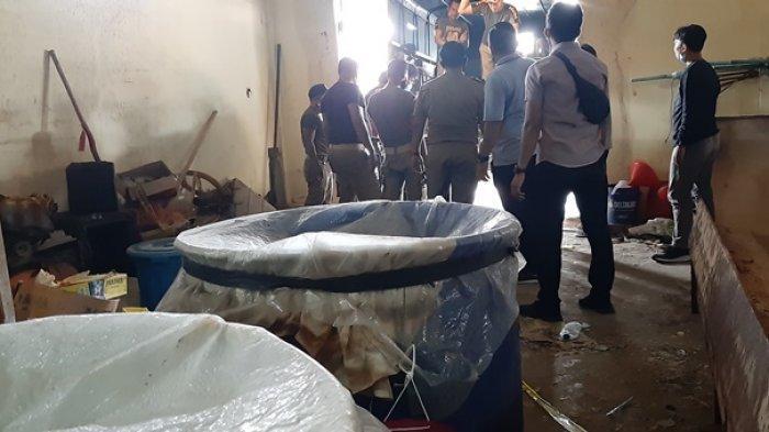 Kasus Penggerebekan Pabrik Arak Masuk Tahap Dua, Kejari Belitung Terima Penyerahan Tersangka