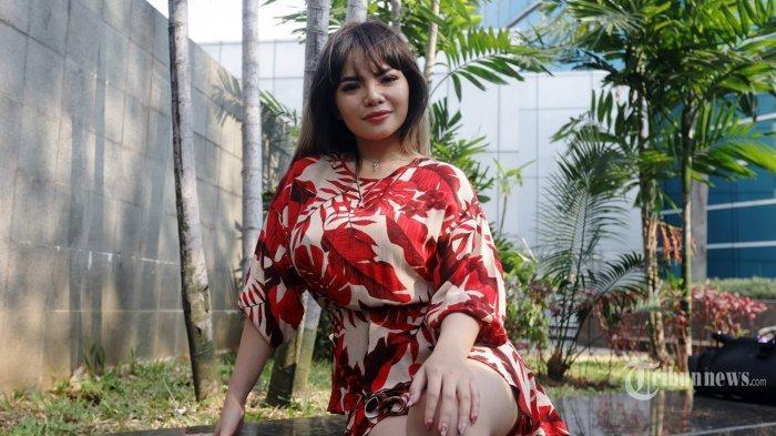 Dinar Candy Ajak Sapri Pantun ke Kamar, Lalu Celana Dalam yang Dikenakanya Rela Dibayari Segini