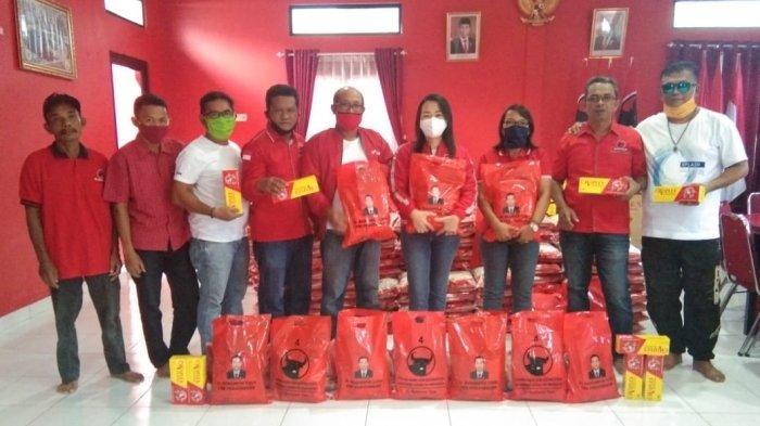 DPC PDI Perjuangan Belitung Drop 1.000 Karung Beras dan Vitamin