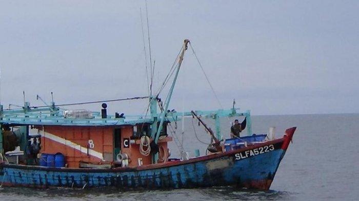 KKP Tangkap 2 Kapal Ikan Malaysia Curi Ikan di Selat Malaka, Semua ABK-nya Ternyata WNI