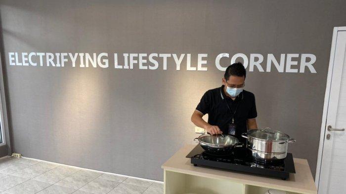 Kenalkan Gaya Hidup Baru, PLN Babel Soft Launching Electrifying Lifestyle Corner, Masak Makin Mudah