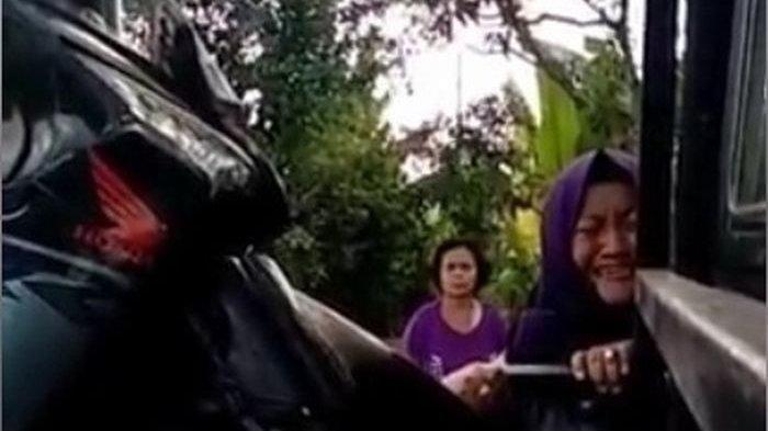 Video Emak-emak Teriak Minta Tumbal Seusai Dikabarkan Meninggal Akibat Kecelakaan