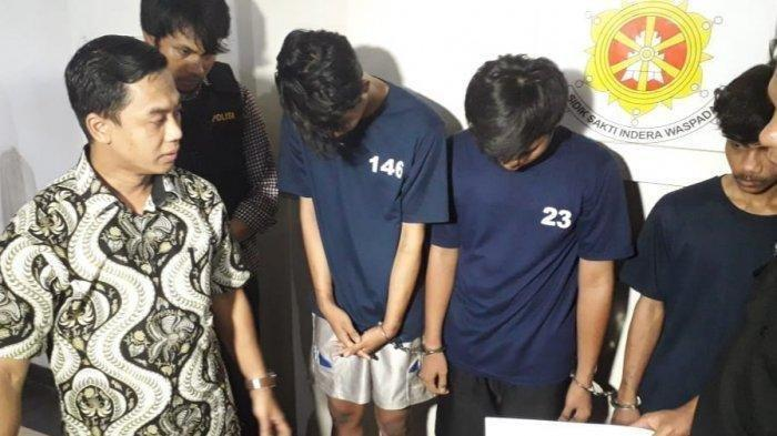 Komplotan Begal Muda Sadis Incar Warga Main Handphone di Pinggir Jalan