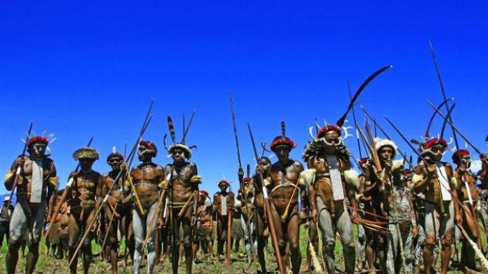 Festival Lembah Baliem Suguhkan Daya Tarik Atraksi Perang Antar Suku