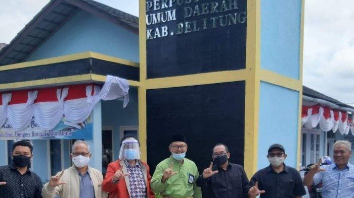 Kepala Dinas Perpustakaan dan Kearsipan Daerah Kab Belitung fhoto Bersama