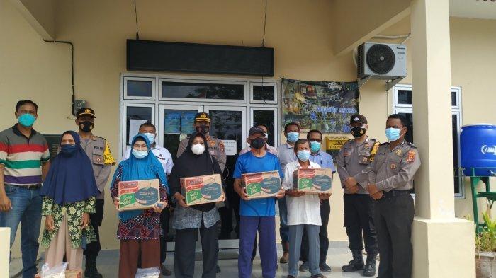 Polres Belitung dan PT AMA Bagikan Bansos - foto-bersama-penyerahan-bantuan-sosial-rabu-284.jpg
