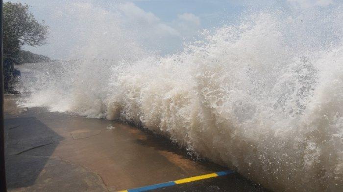 BMKG Imbau Waspada Bibit Siklon Tropis, Hujan Lebat Hingga Gelombang Tinggi di Belitung