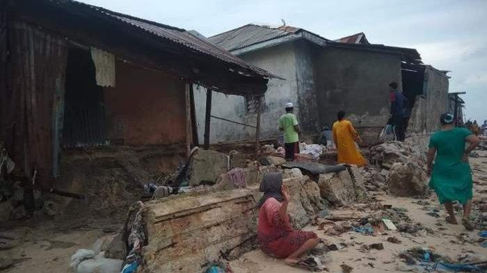 Empat Rumah di Pulau Gersik Rusak Dihantam Gelombang Tinggi, Berharap Pemkab Berikan Bantuan