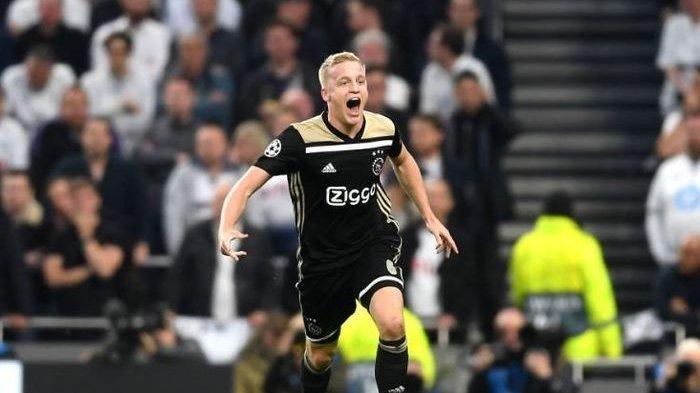 Donny van de Beek Pahlawan Kemenangan Ajax Sekaligus 'Hantu' bagi Tottenham