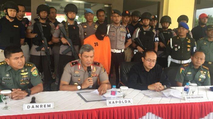 Polda Bangka Belitung Gelar Tersangka dan Barang Bukti Pembunuh Anggota Korem