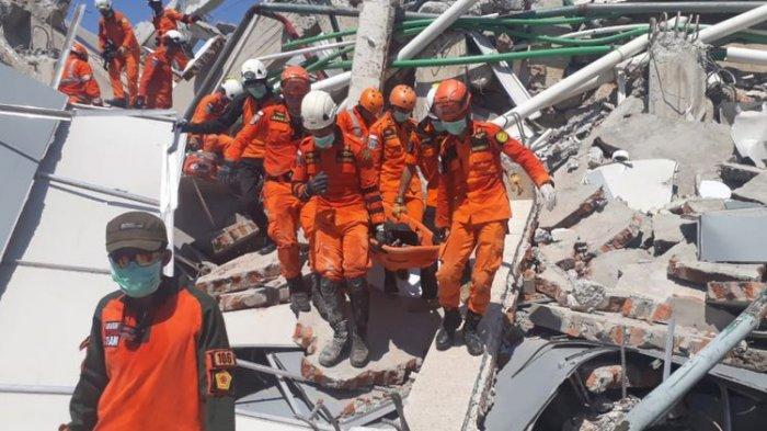 Korban Tewas Gempa dan Tsunami Palu Jadi 832 Orang, Evakuasi Terus Dilakukan