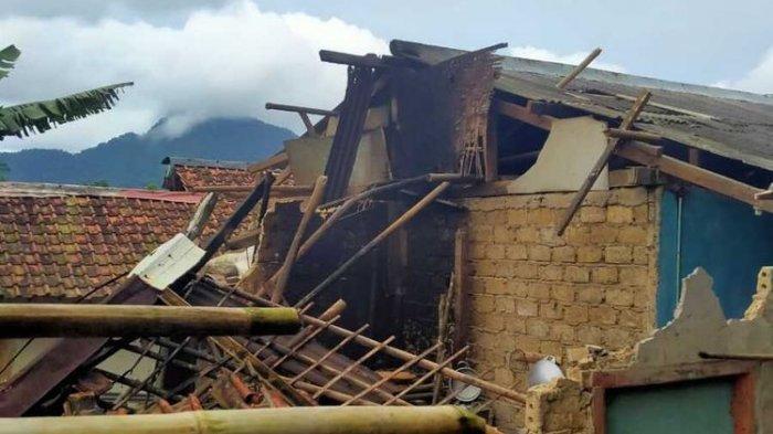 Gempa Sukabumi, 93 Rumah Warga Rusak ada Yang Rata dengan Tanah, Warga Terluka Ditimpa Puing