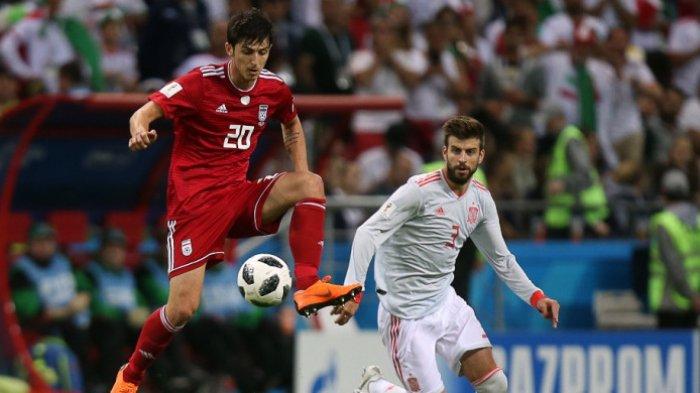Meski Kalah Tipis dari Spanyol, Pemain Iran Ini Sukses Permalukan Gerard Pique, Simak Videonya!