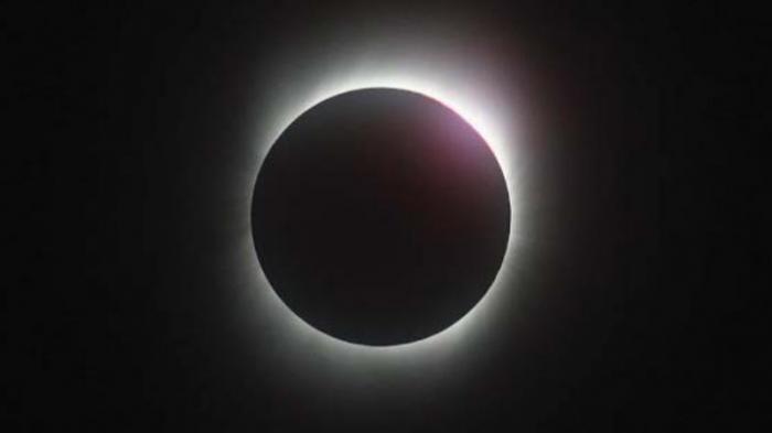 Malam Ini Langit Belitung Cerah Menjelang Gerhana Matahari Total
