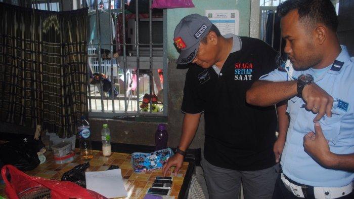 Kalapas Tanjungpandan Pimpin Penggeledahan Kamar dan Blok Hunian, Ini yang Ditemukan