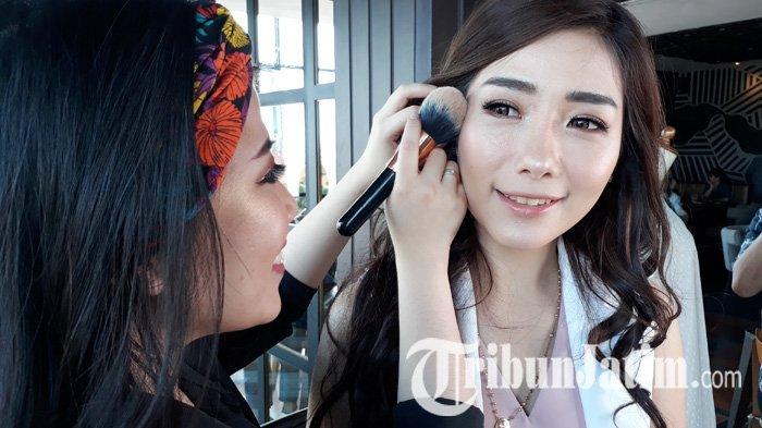 Sederhana Tapi Terkesan Mewah, Glowing Make Up Jadi Tren dan Digemari Kalangan Sosialita