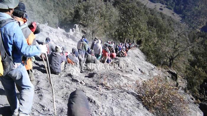 Dua Pendaki Asal Cirebon Hilang di Gunung Semeru, Ini Identitasnya