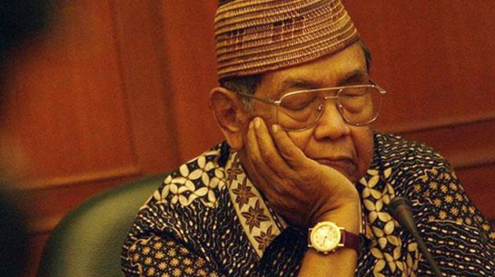 Menguak Kemampuan Gaib Gus Dur, Ingatkan Jangan Dekat-dekat Soeharto Setahun Sebelum Lengser