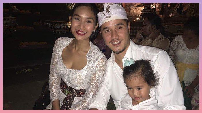 Ucapkan Selamat Hari Raya Nyepi, Happy Salma dan Keluarga Serasi Kenakan Busana Khas Bali