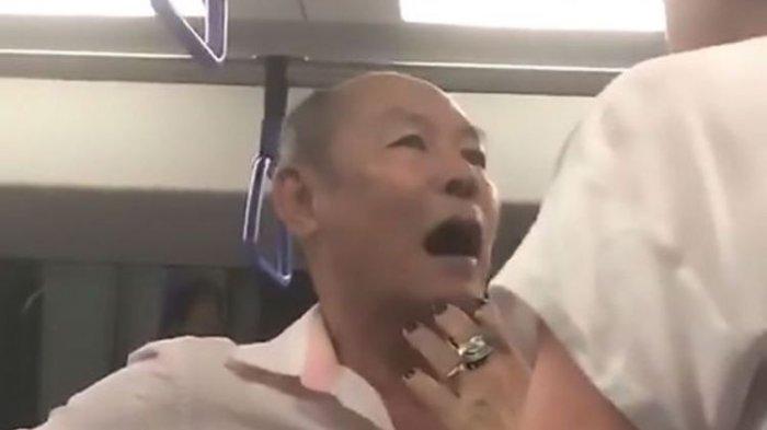 Ajakan Begituan di Kereta Ditolak, Kakek Ini Ngamuk (VIDEO)