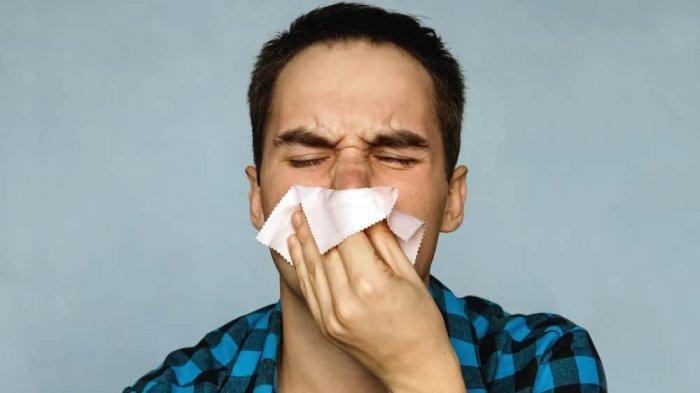 Atasi Flu Dengan Bahan Alami Seperti Air Garam dan Bawang Putih, Ini Caranya