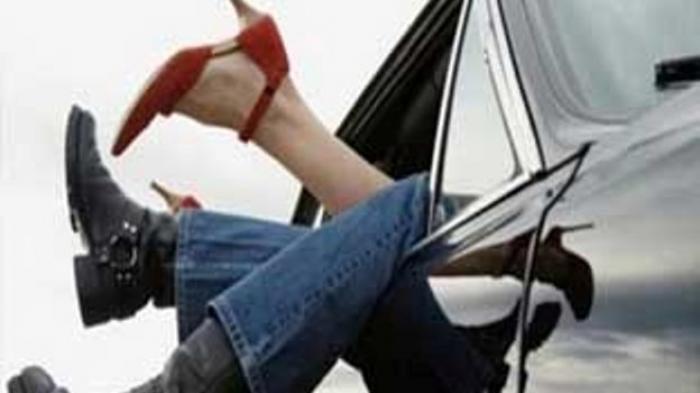 Pria Kesepian Selingkuh dengan Wanita PNS Bersuami, Kepergok Warga Lihat Mobil Bergoyang