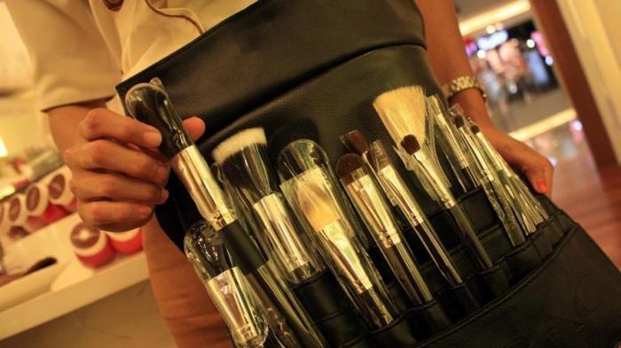 Perlukah Brush Make Up Dibersihkan Setiap Hari? Yuk Simak Saran Ahli!