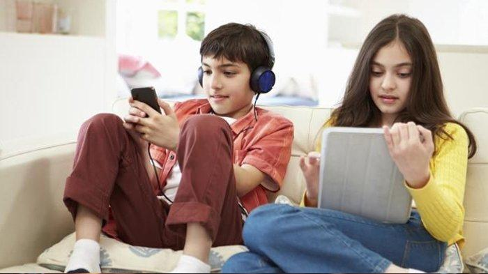 Ketika Guru dan Orangtua Curhat Anak Belajar Online di Rumah, Rebutan HP Hingga Panik Internet Lemot