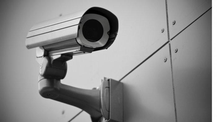 Pasang CCTV di Rumah, Suami Lihat Tingkah Istri di Rumah, Akhirnya Sedih