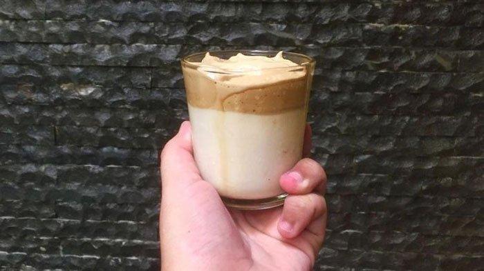 Sudah Coba Bikin Dalgona Coffee? Ini Trik Agar Dalgona Coffee Cepat Mengembang, Cukup Pakai Es Batu