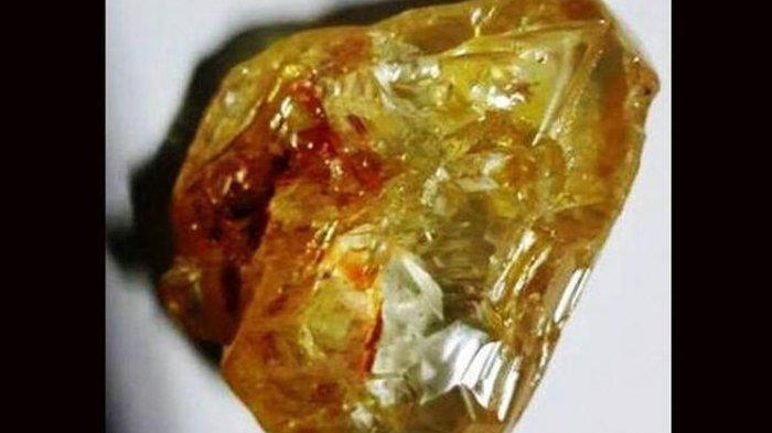 Heboh Penemuan Batu Mirip Berlian, Ribuan Warga Berbondong-bondong ke Lokasi Penggalian