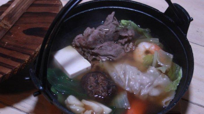 Tak Perlu Bingung Habiskan Sisa Bahan Makanan di Kulkas, Masak Hot Pot Saja!