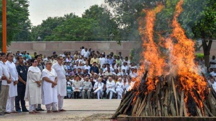 Menantu Tak Hamil Setelah 10 Tahun Menikah, Mertua Kesal Dimasukkan ke Peti Lalu Dibakar
