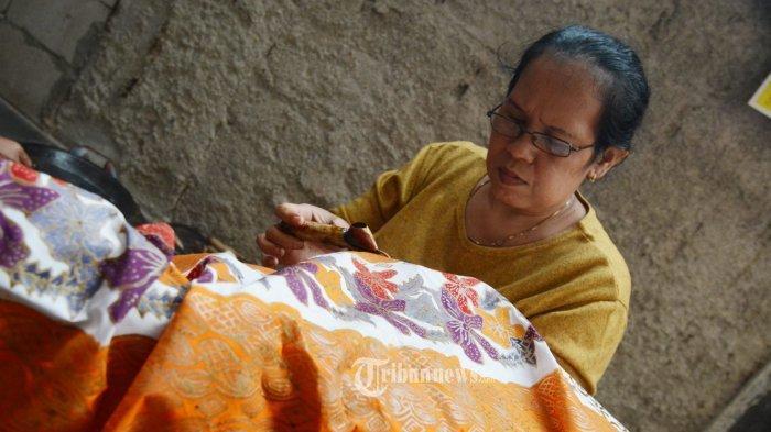 Cukup Tambahkan Cuka untuk Mencuci Batik dan Baju Berwarna, Anda akan Takjub Melihat Hasilnya