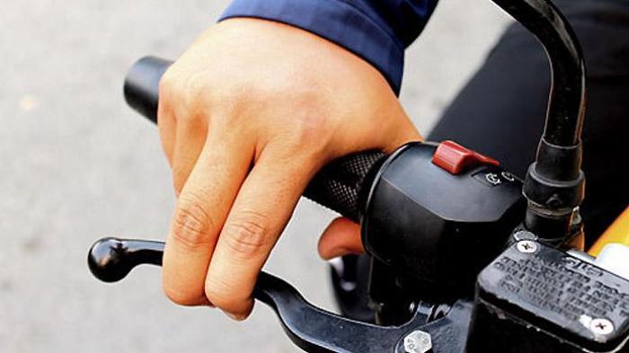 Kapan Rem Depan atau Belakang Motor Digunakan Saat Berkendaraan? Baca Ini