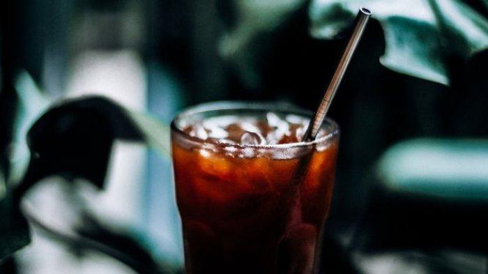 Hindari 4 Kebiasaan Minum Soda Berikut Ini karena Tak Baik bagi Kesehatan, Yuk Simak Penjelasannya!