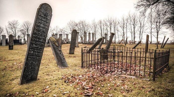 Bongkar Makam, Pria Ini Terkejut Dapati Isi Kuburan Bukan Jenazah Neneknya