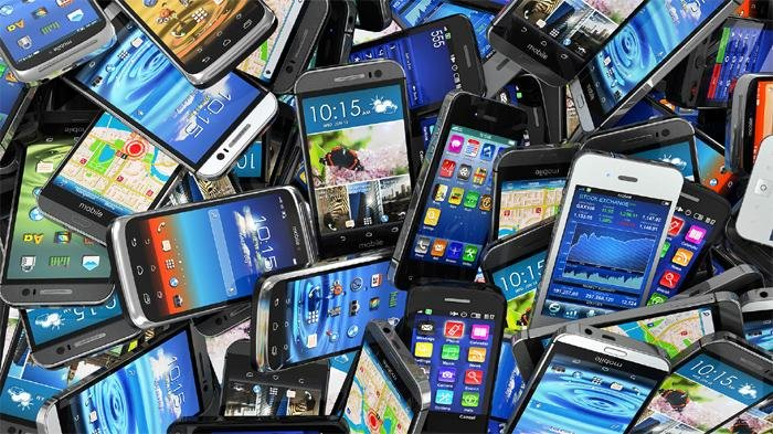 Ponsel-ponsel Paling Ngebut di 2018 versi AnTuTu