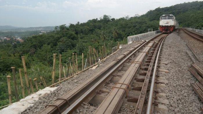 Melewati Gunung Berapi Aktif hingga Samudra Hindia, Ini 5 Jalur Kereta Api Paling Ekstrem di Dunia