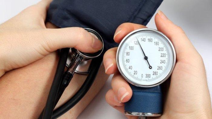 8 Cara Menurunkan Tekanan Darah Tinggi, Coba Lakukan Hal Ini
