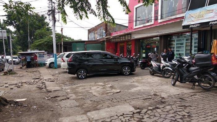 Detik-detik Tukang Parkir Tusuk Pengunjung Minimarket, Tersinggung Dengan Ucapan Ini
