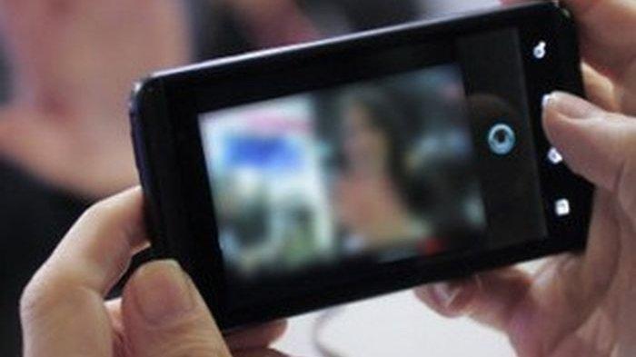 Ilustrasi viral video mesum. Pihak kepolisian sudah mengamankan sejoli yang melakukan aksi mesum 'Parakan 01' yang videonya viral di media sosial.