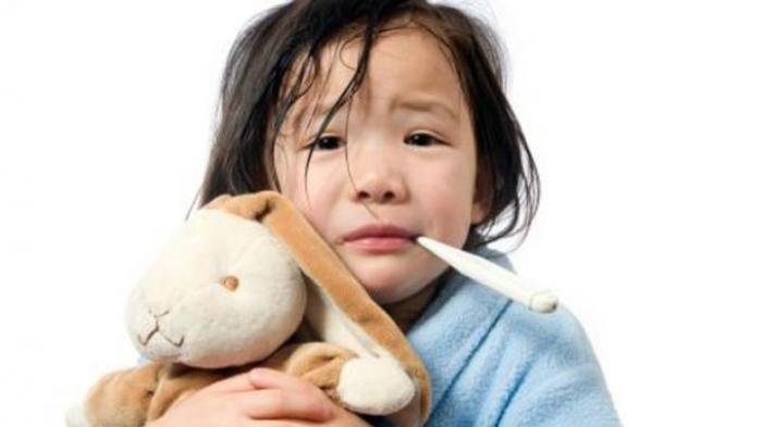 Radang Tenggorokan Bikin Si Kecil Rewel, Ternyata Solusinya Mudah
