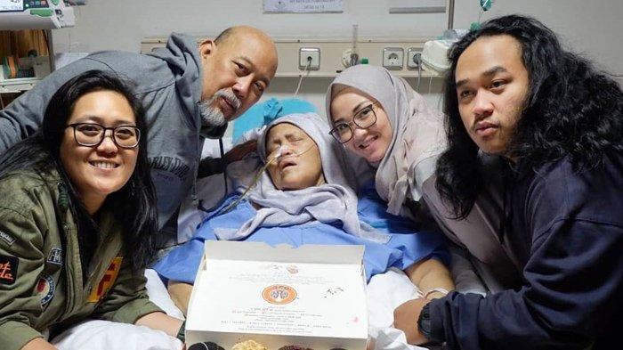 Momen Bahagia Keluarga Indro Warkop Saat Rayakan Ultah Nita di Tengah Berjuang Lawan Kanker