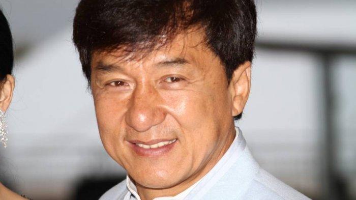 Tahu Jackie Chan? Ini Fakta Menarik Soal Hubungan Gelapnya dan Kisah Masa Lalu