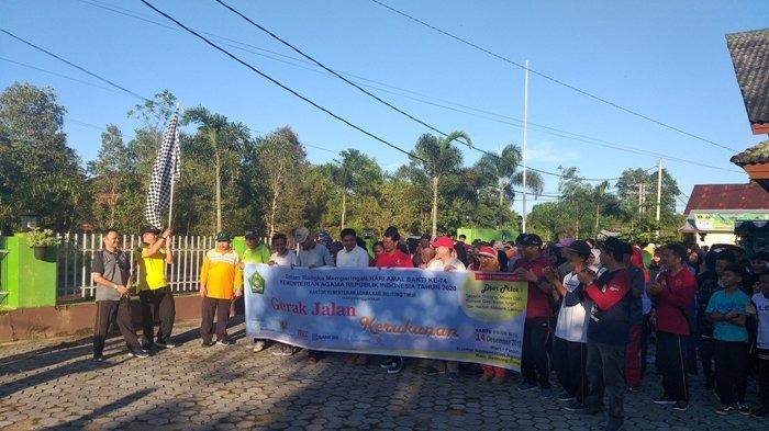Peringati Hari Amal Bakti ke-74, Kementerian Agama Belitung Timur Gelar Gerak Jalan Kerukunan