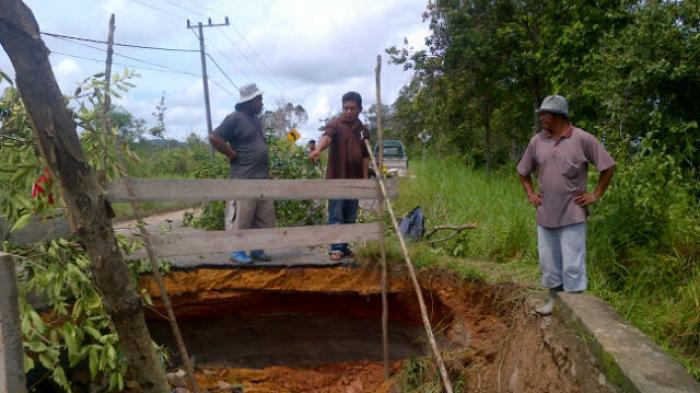Kades Harapkan Tak Hanya Perbaikan Jalan Amblas, Tapi Juga Peningkatan Jalan